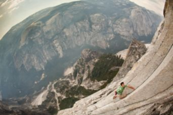 athlete alex honnold climbing